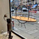 Étagère suspendue soucoupe volante vitrine