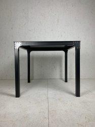 table Nina